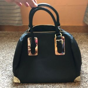 ALDO black tote purse with gold hardware like new